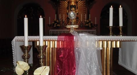 Adoracja Najswietszego Sakramentu