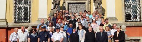 Wyjątkowe spotkanie w ogrodach klasztornych
