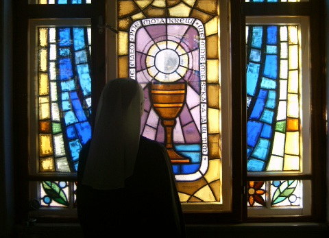 witraż w kaplicy