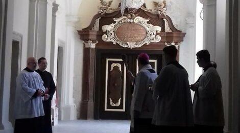 Poświęcenie wyremontowanej części klasztoru